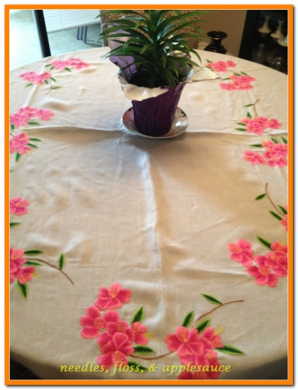 Entire table cloth